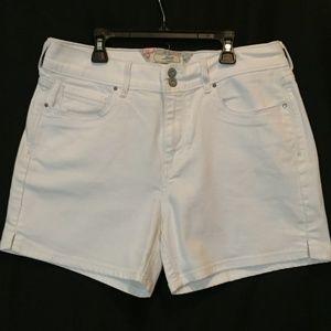 LEVI WHITE JEAN SHORTS SZ 12